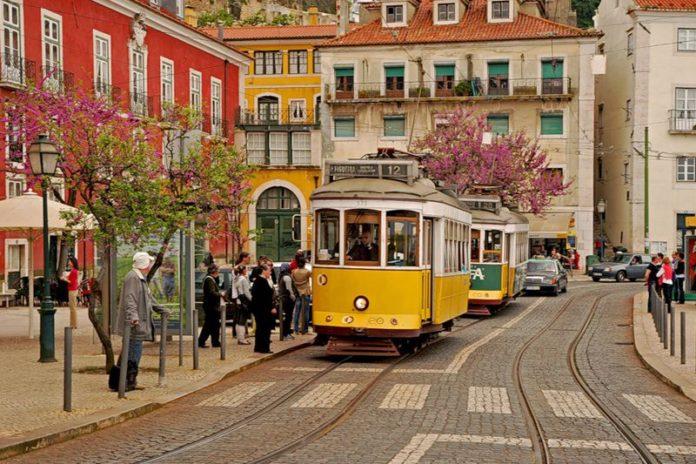 Трамвай Португалия