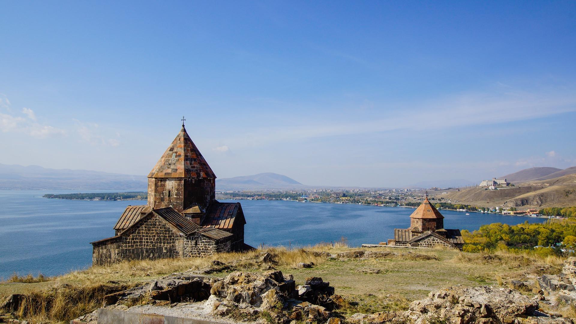 Что посмотреть в Армении. Озеро Севан
