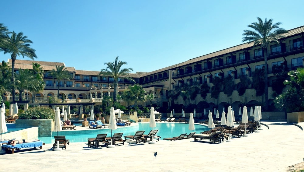 Отель 5 звезд на Кипре в Пафосе