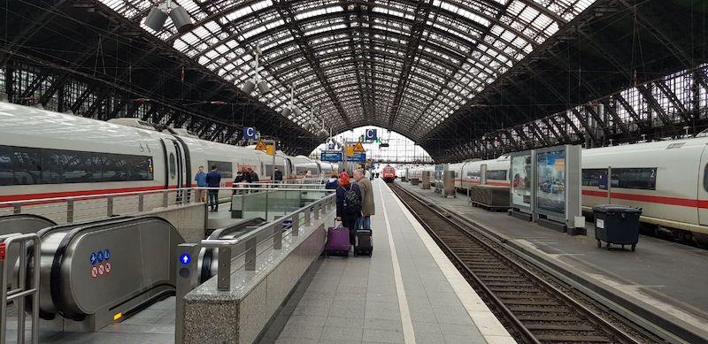 Поезд из Кельна в Дюсельдорф