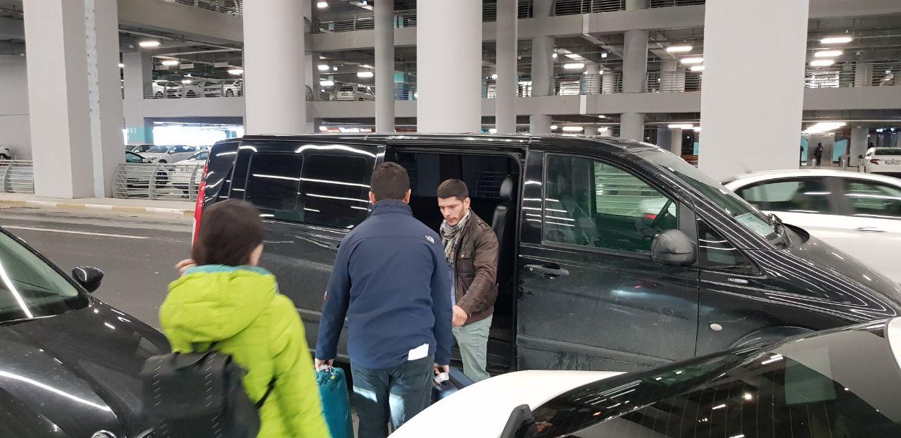 Наш водитель из аэропорта в Стамбуле