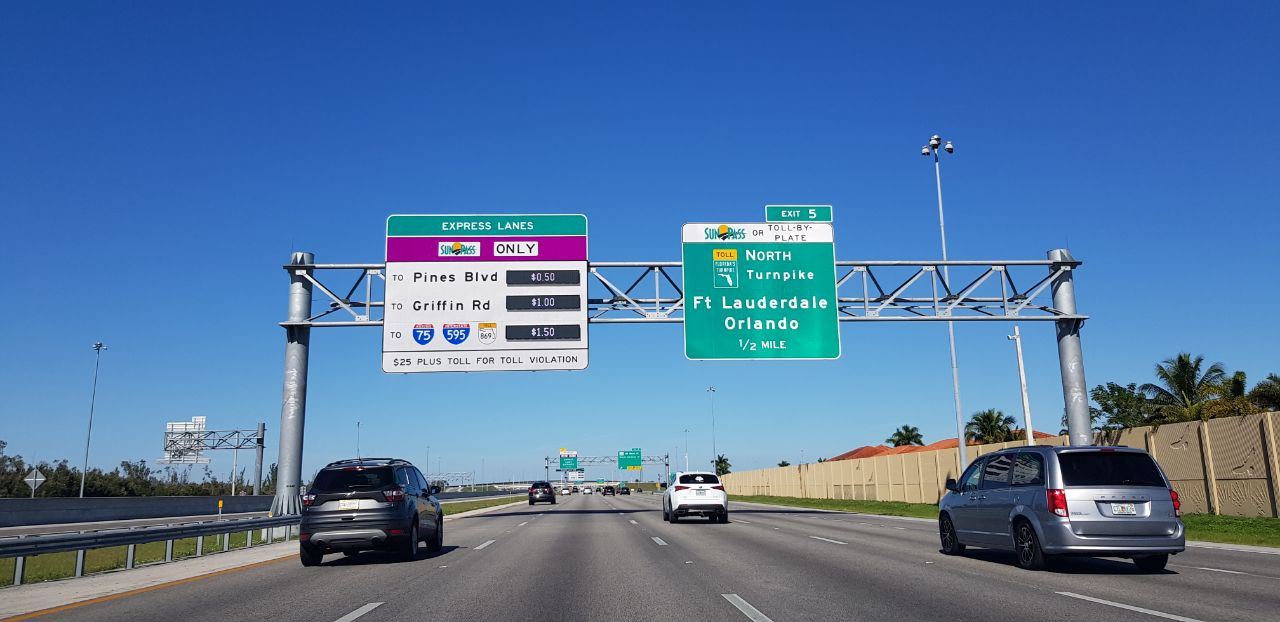 Предупреждение о платном участке дороги во Флориде
